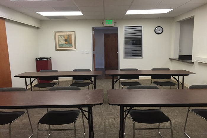 orange-county-shared-spaces-village-at-17th-street-training-room