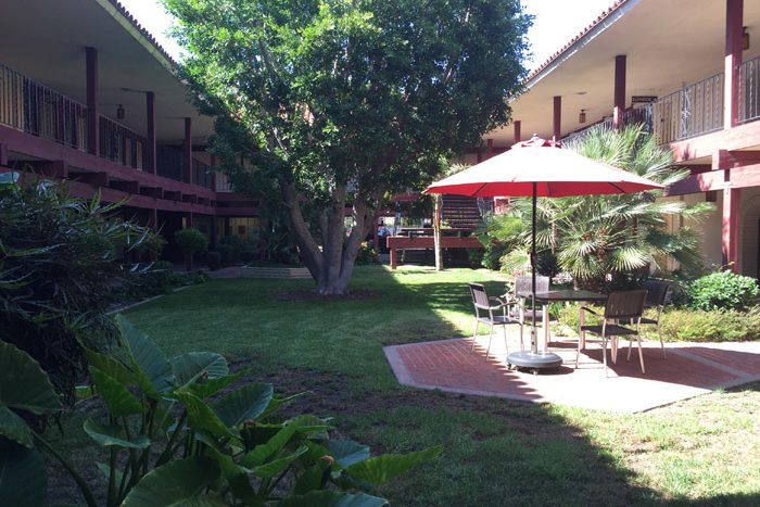 courtyard-village-at-17th-street-orange-county-shared-spaces